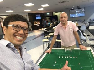 Benny of Singapore takes on Antonio from Hong Kong in a pre-tournament friendly